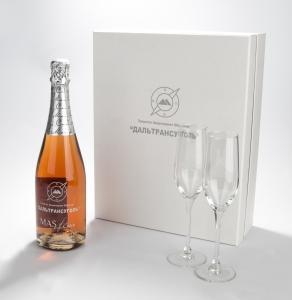 Подарочный сет. Игристое вино с персонализацией на графине и двумя бокалами. | Prowine