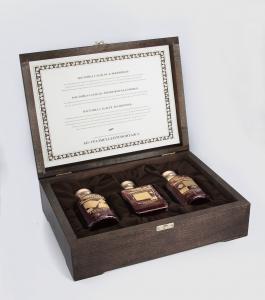Подарочный сет из трех настоек в дизайнерском футляре с сертификатом | Prowine